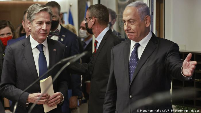 آنتونی بلینکن پیش از آن با بنیامین نتانیاهو، نخستوزیر اسرائیل دیدار و گفتوگو کرده بود، ۲۵ مه ۲۰۲۱