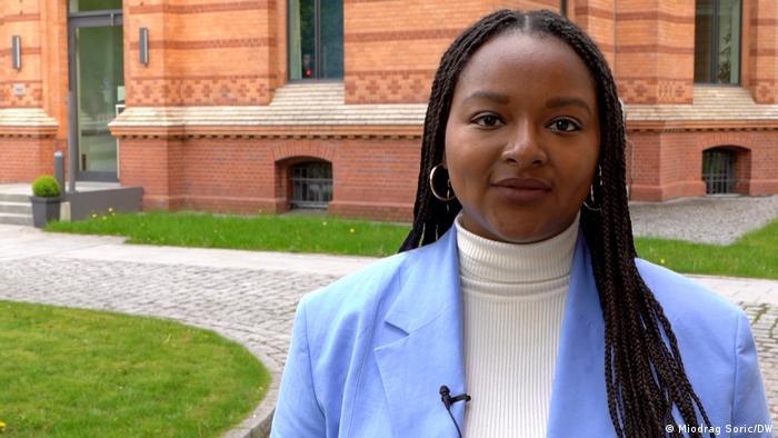 Porträtfoto von Aminata Touré