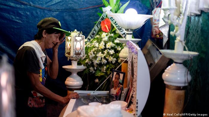 Duterte enfrenta acusaciones por ejecuciones extrajudiciales en su guerra contra las droogas, así como por su represión de voces críticas.