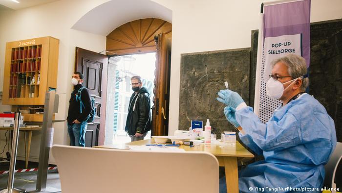 Центр вакцинації в одній з церков Дюссельдорфа