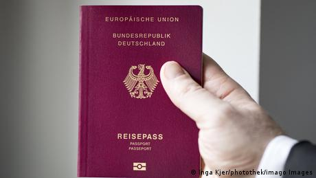 Paşaportul german, unul dintre cele mai râvnite din lume, oferă şi posibilitatea de vot la alegerile federale