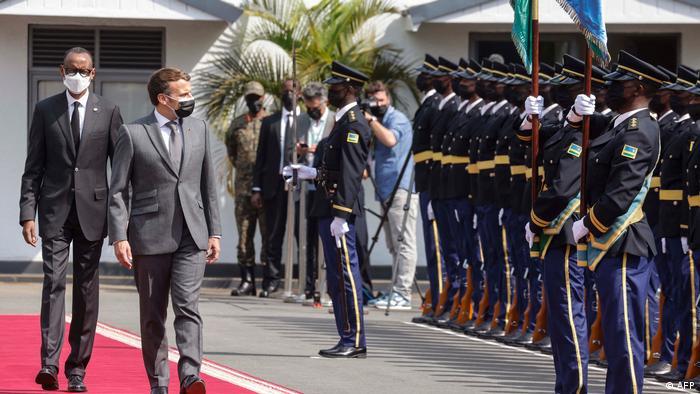 Macron à Kigali : l′attente des victimes du génocide | Afrique | DW | 27.05.2021