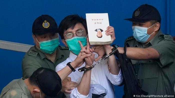 Ativista pró-democracia Avery Ng, de Hong Kong, é preso em 28/05/2021