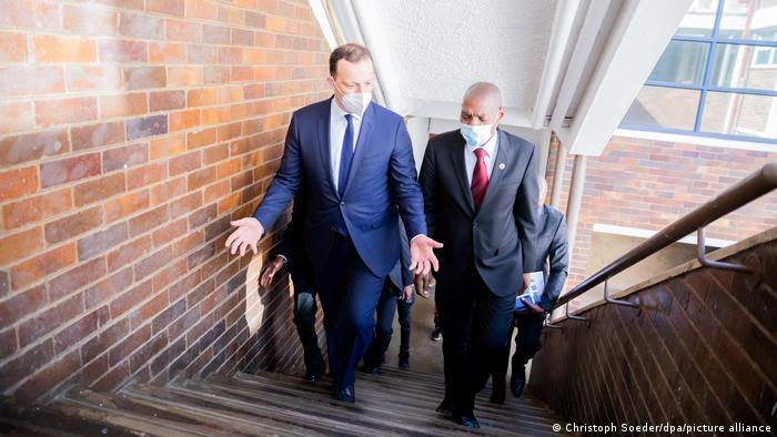 Südafrika Corona-Gesprächen | Besuch von Bundesgesundheitsminister Spahn