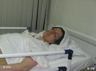 نرگس محمدی نایب رئیس کانون مدافعان حقوق بشر پس از آزادی از زندان در بیمارستان