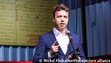 ARCHIV 31/08/2020 *** Former chief editor of a Telegram channel Nexta Roman Protasevich was detained in Minsk onboard a Ryanair plane that made an emergency landing in the Belarusian capital on 31 August 2020 File photo: Roman Protasevich former editor in chief of the Nexta (or Nehta) Telegram and youtube channel initiator covering the Belarusian protests, speaking during the rally are seen in Gdansk, Poland on 31 August 2020 Belarusians living in Gdansk and their Polish supporters attend Solidarity with Belarus rally in Gdansk, to support protesters in Belarus. (Photo by Michal Fludra/NurPhoto)