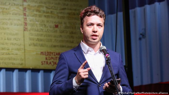 Journalist Roman Protasevich an Bord eines Flugzeugs in Belarus festgenommen