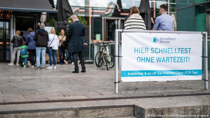 Deutschland | Coronavirus |Stuttgart Schnelltest
