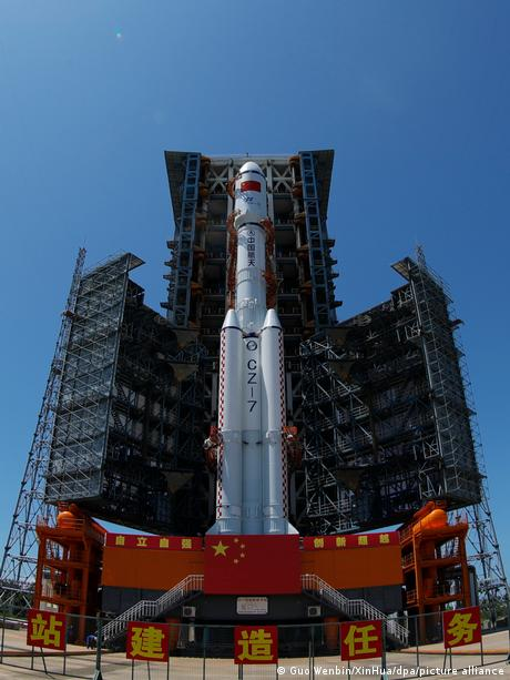 China's Long March-7 rocket  - 57713199 401 - China launches cargo flight to new space station   News   DW