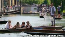 Spring weather May 29th 2021. People enjoy punt tours along the River Cam in Cambridge, with the bank holiday weekend expected to bring blue skies and widespread sunshine. Picture date: Saturday May 29, 2021. See PA story WEATHER Spring. Photo credit should read: Joe Giddens/PA Wire URN:60072518
