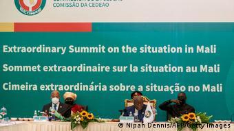 La Cédéao a lié la réintégration du Mali dans les instances de l'organisation à un retour à l'ordre constitutionnel dans le pays.