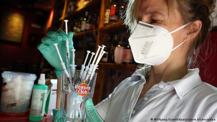 Weltspiegel | 31.05.2021 | Coronavirus, Impfungen in Berliner Bar