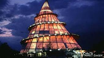 La Jahrtausendturm » (Tour du siècle) à Magdebourg