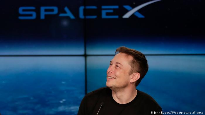SpaceX CEO Elon Musk  - 57732163 401 - Virgin Galactic′s Richard Branson wins space race against Bezos | News | DW