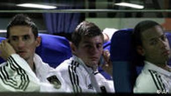 Немецкая сборная после проигрыша испанцам