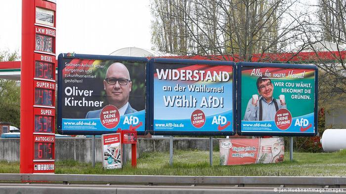 Afişe electorale AfD în Saxonia Anhaltină