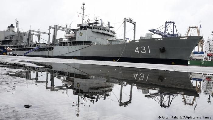 Iranisches Marineschiff Charg in Jakarta