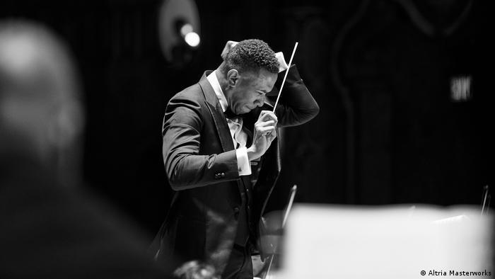 "Der Dirigent Roderick Cox, Mitwirkender an dem Projekt ""Song of America: A Celebration of Black Music"""