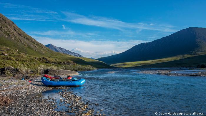 Природният резерват е много рядко населен и изключително труднодостъпен. В целия регион има само две села с общо 400 местни жители. Всяка година го посещават между 1200 и 1500 туристи. Улици и пътища почти няма - придвижването е възможно само с каяк или с надуваема лодка.