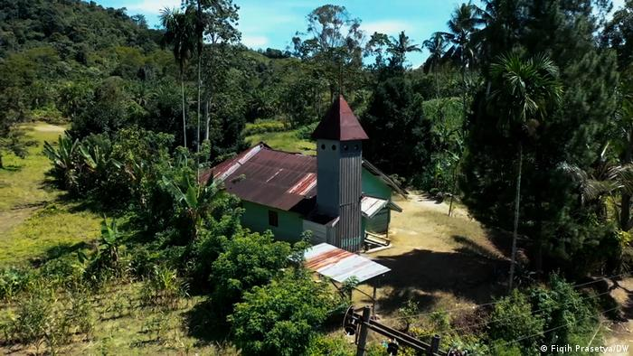 A church in Nord Sumatra, Indonesia, threatened by a mining project
