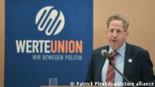 29/08/2019 Hans-Georg Maaßen (CDU), ehemaliger Leiter des Bundesverfassungsschutzes, spricht auf einem Wahlkampftermin der Werteunion und CDU-Fraktion Hoppegarten.