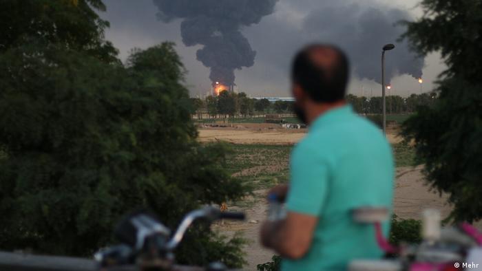Iran Explosion und Feuer in der Öl-Raffinerie Teheran