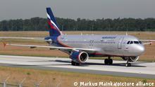 Frankfurt, Deutschland - 18. Juni 2013: Ein Airbus A320 der Aeroflot mit dem Kennzeichen VP-BQV auf dem Flughafen Frankfurt (FRA) in Deutschland.