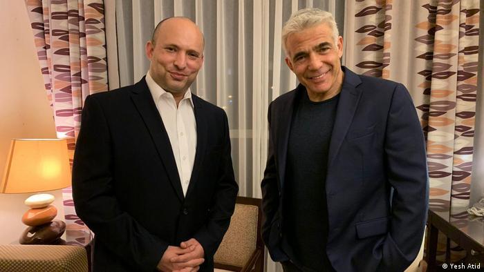 Naftali Bennett und Yair Lapid | Handout von Yesh Atid'