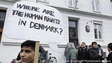 Η αμφιλεγόμενη μεταναστευτική πολιτική της Δανίας