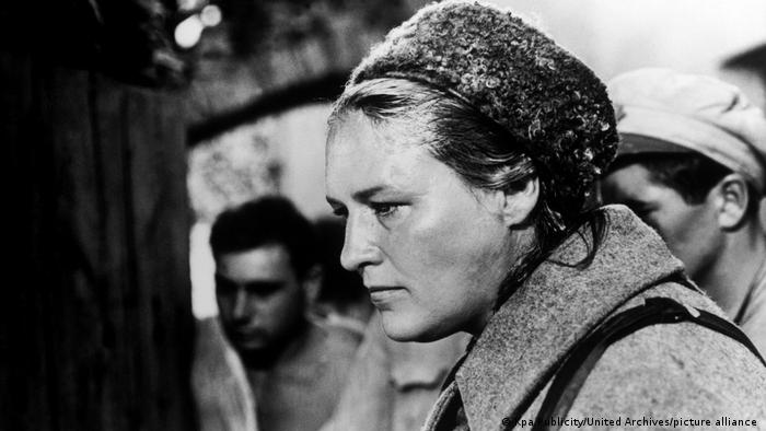 Нонна Мордюкова. Кадр из фильма Комиссар, снятого в 1967 году Александром Аскольдовым