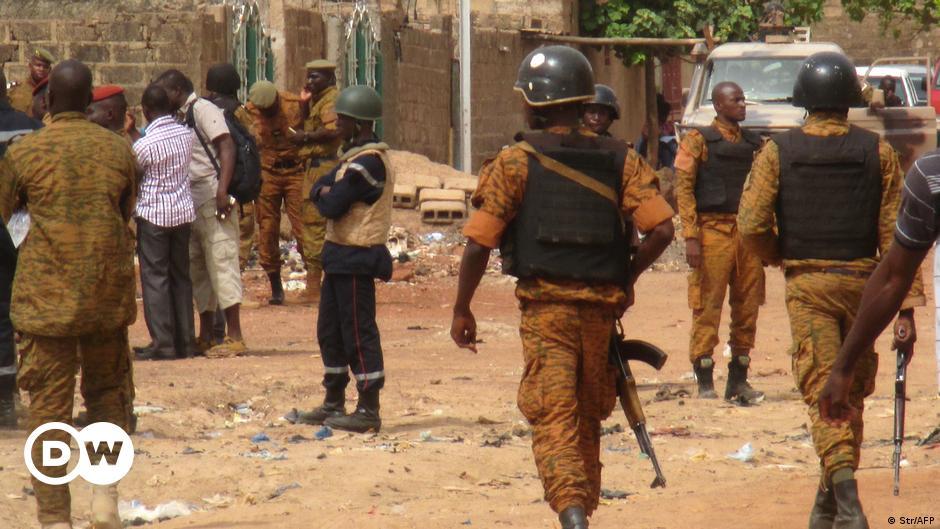 Burkina Faso: Jihadis massacre more than 100 civilians