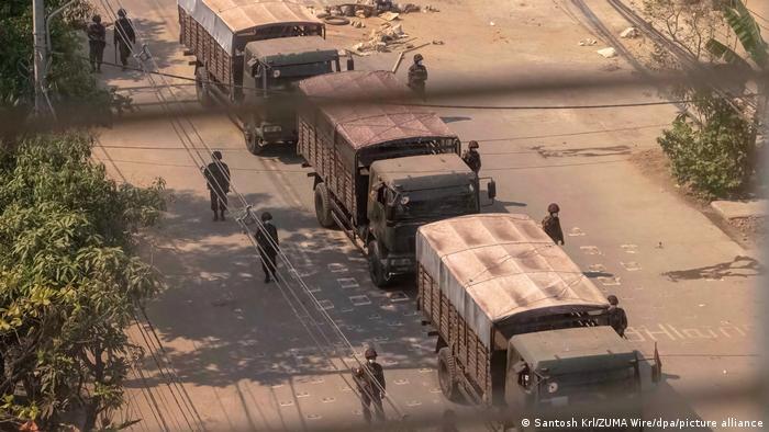 Miliiter masih berjaga ketat di kota-kota besar di Myanmar
