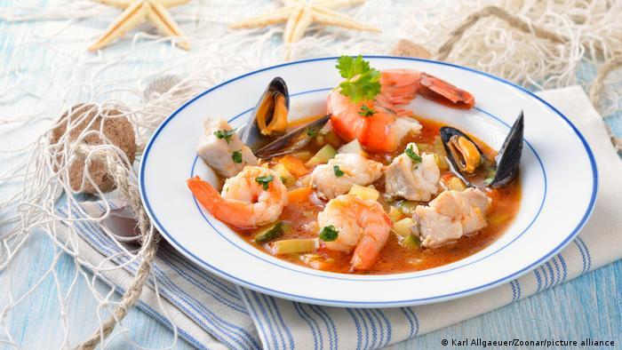 Рыбная кухня Германии - рыбный суп с креветками