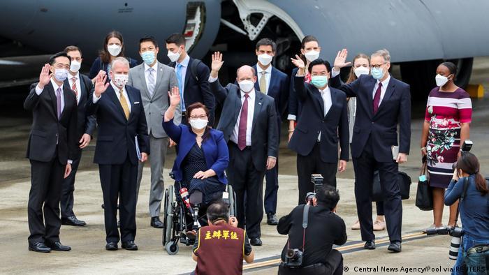 US senators at the Taipei airport
