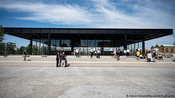 Будівля Нової національної галереї в Берліні