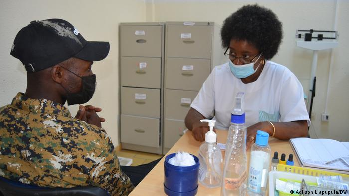 Angola | Antónia Cristóvão im Kinderkrankenhaus in Namibe