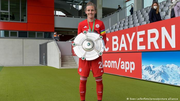 El alemán Simon Lauder del Bayern de Múnich gana la copa del campeonato