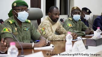 Assimi Goïta et un groupe de colonels ont conduit un premier putsch le 18 août 2020 avant de récidiver en mai 2021.
