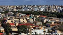 Lefkosia, Nikosia, geteilte Hauptstadt von Suedzypern, Blick auf die Altstadt und die Kirche Faneromeni, Phaneromeni-Kirche 222837.jpg