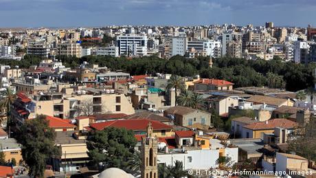 Κύπρος: Συζήτηση για ανάκληση διαβατηρίων τ/κ αξιωματούχων