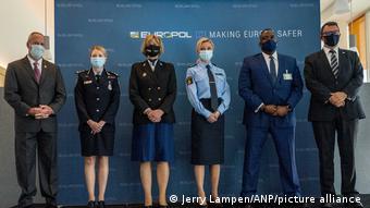 Europol'ün Lahey'deki merkezinde basın toplantısı düzenlendi