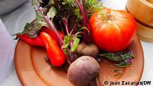 26/05/2021 Gemüse komplett verwerten, das ist die Herangehensweise der peruanischen Initiative CCORI. Gegründet haben sie die Köche Palmiro Ocampo und Ronald Wagemann. Ihr Ziel: Dafür zu sorgen, dass in peruanischen Restaurants möglichst keine Lebensmittel weggeworfen werden.