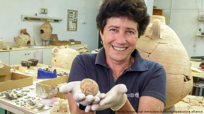 آلا ناگورسکی، مدیر حفاری اداره باستان شناسی
