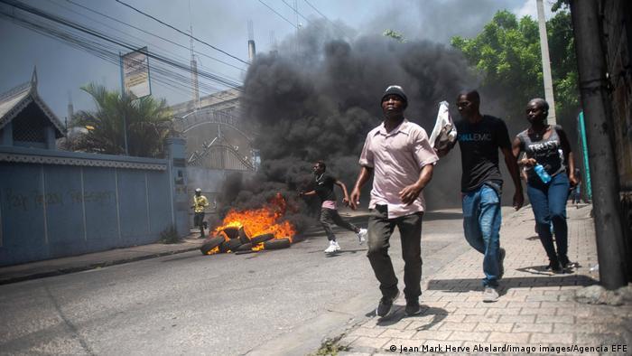 海地政局长期处于混乱之中