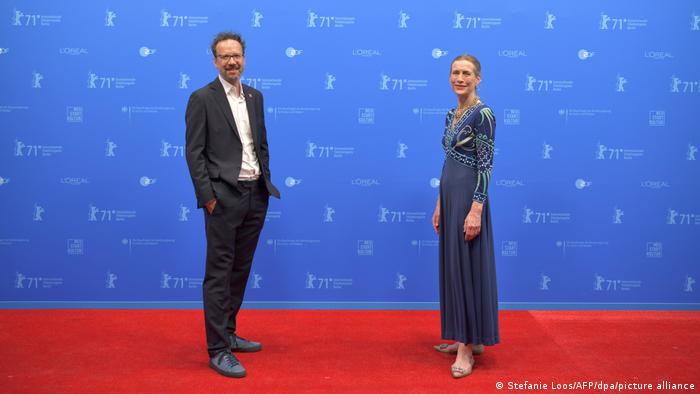 Carlo Chatrian and Mariette Rissenbeek on the red carpet