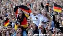 Fussball Deutschland Fanfest während des WM-Gruppenspiels Deutschland 2014