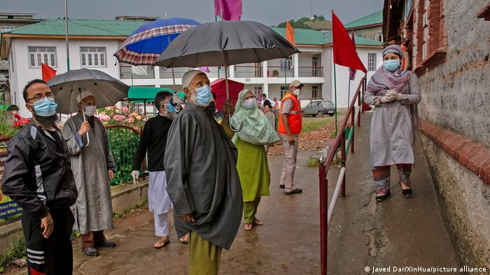 People lineup to have COVID tests in Srinagar City