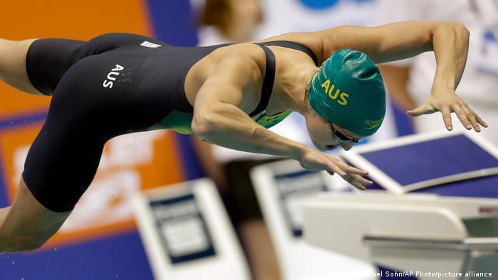 Australia's Madeline Groves dives into the pool in Berlin in 2016