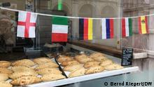 11.6.2021, St. Ives, England, G7 Gipfel. Auslage einer Bäckerei in St. Ives mit G7 Pasteten, Spezialität in Cornwall. Einheimische finden den Trubel um G7 in ihrem Dorf seltsam. G7 Gipfel Carbis Bay, Cornwall, UK. Aufgenommen am 11.06.2021. Foto: Bernd Riegert, DW, alle Rechte.