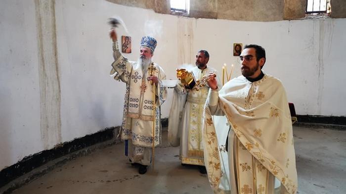 Kosovo   Liturgie Bischof Teodosije in Pristina